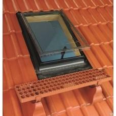 Окно-люк  Fakro WSZ (для нежилых помещений) с универсальным окладом 86х86 см